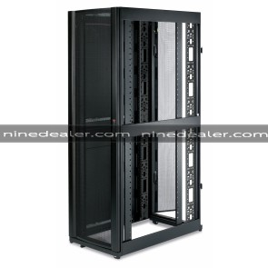 NetShelter SX 42U Server Rack Enclosure 600mm x 1070mm w/ Sides Black